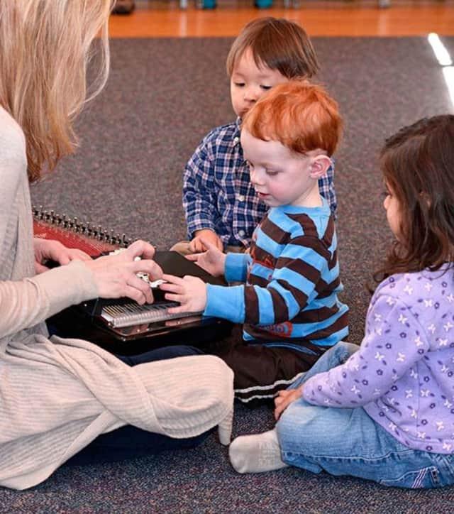Hoff-Barthelson faculty member Laura Barnet teaches a music class for young children.