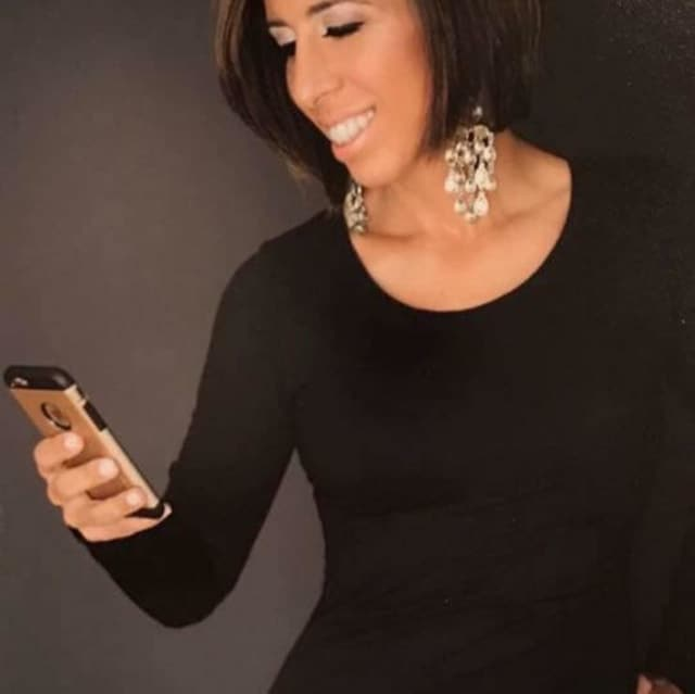 Social media influencer Kami Evans lives in Fairfield and runs more than 60 Facebook pages.