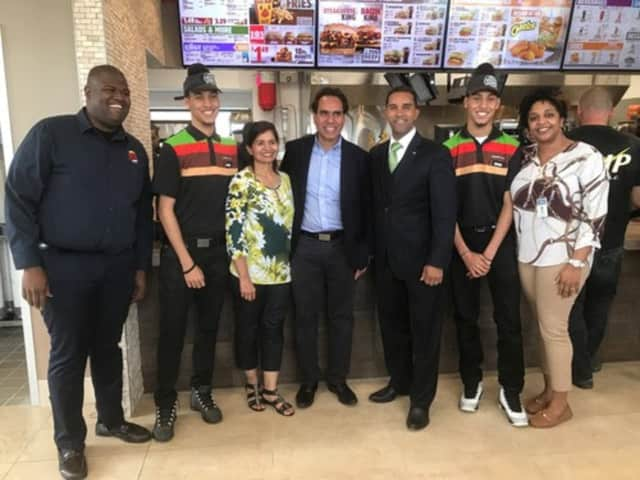 Mount Vernon Mayor Richard Thomas and other city officials welcomed Burger King to the neighborhood at a recent ribbon cutting ceremony.