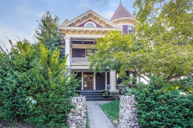 This Victorian home in Yonkers was built in 1900, but still has many modern amenities.