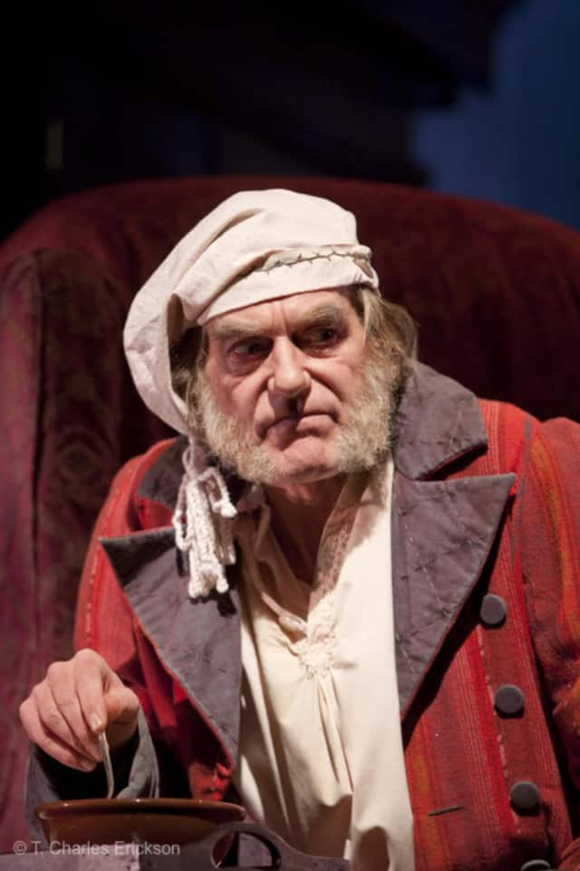 Graeme Malcolm as Ebenezer Scrooge from the 2015 McCarter Theatre production