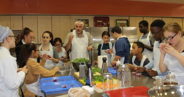 Pocantico Hills students learned about fermentation in science.