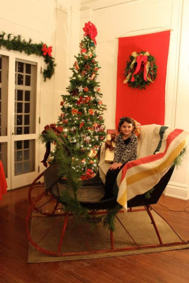 "A reading of ""'Twas the Night Before Christmas"" will be presented Dec. 17 at the Keeler Tavern Museum."