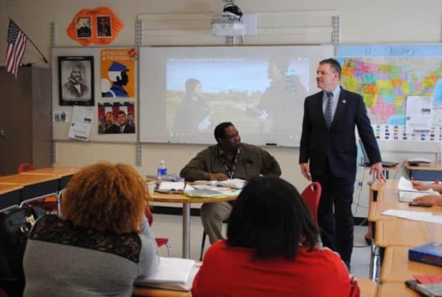 Senator Murphy visits Peekskill Schools.