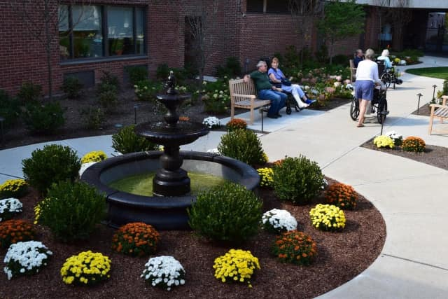 The Nathaniel Witherell nursing home has unveiled its new friendship garden.