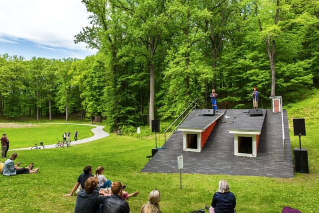 """String Duo Chargaux performs at """"The Oracle of Lacuna"""" at Storm King."""