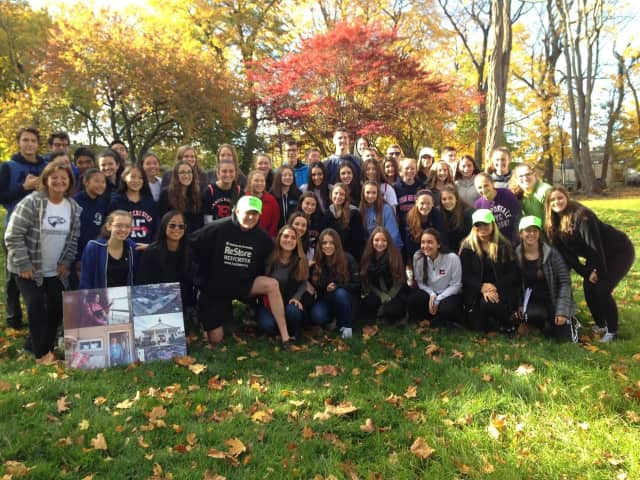 The Eastchester High School Habitat for Humanity Club spent the last several weekends helping the families of veterans in New Rochelle.