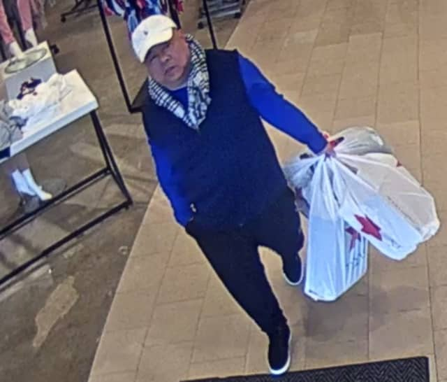 Man accused of spending $2K with stolen credit card at Macy's