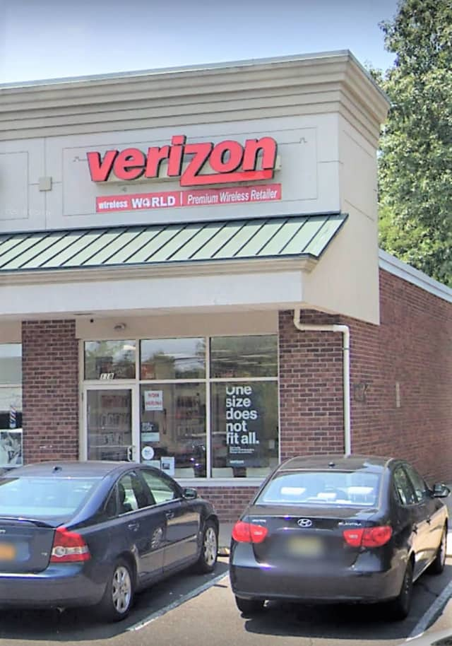 Verizon store, Chestnut Ridge Road, Montvale