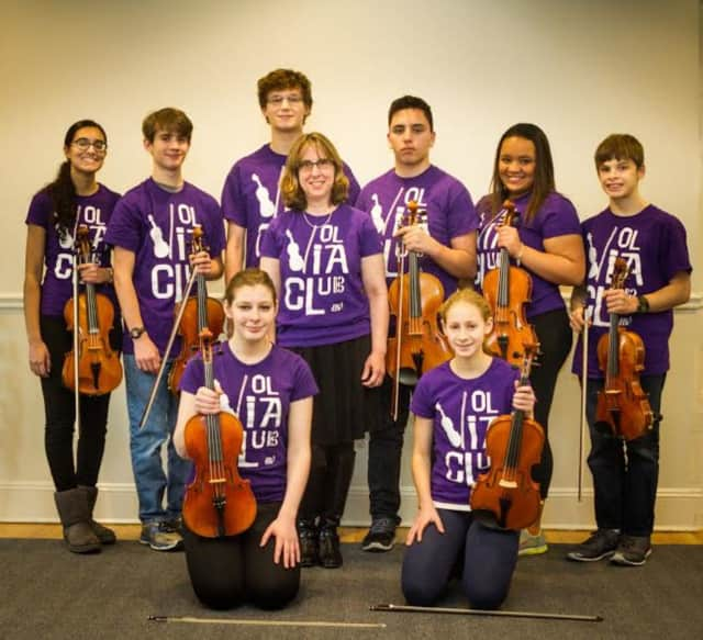 The Viola Club at Hoff-Barthelson Music School in Scarsdale will travel to Ohio to play in the American Viola Society Festival .
