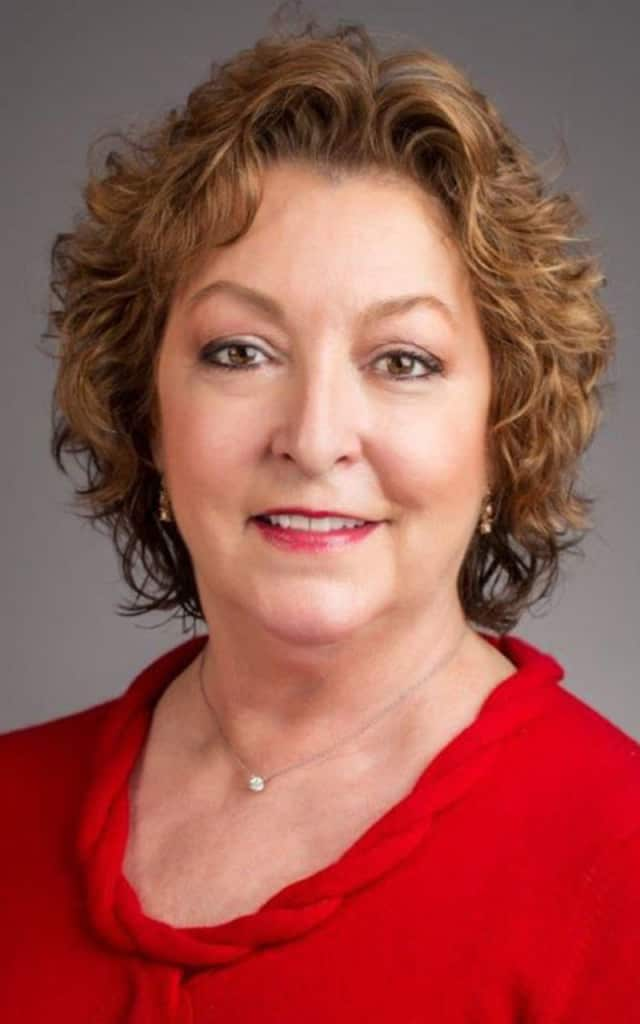 The Wilton Chamber of Commerce has named Debra Hanson as its new executive director.