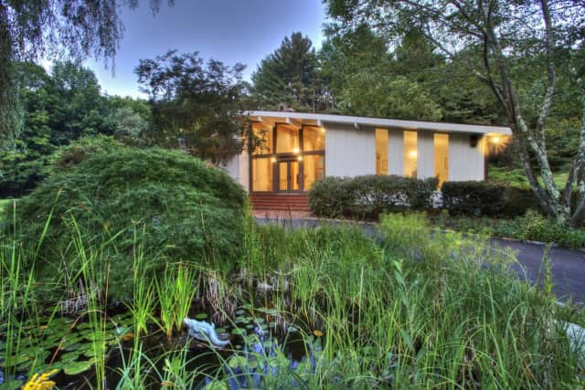 Wilton Home Once Owned By KISS Guitarist Comes With Luxury