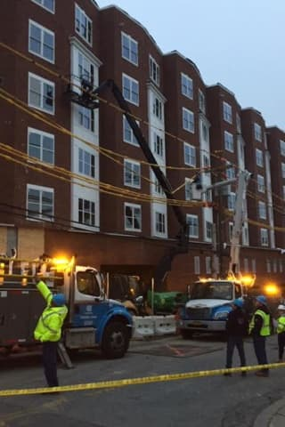 Worker On Lift Dies After Striking Power Lines In Westchester