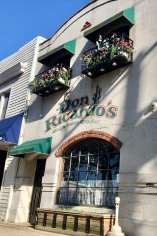 Popular Mexican/Spanish Main Street Mainstay In Babylon Closing After 30 Years In Business