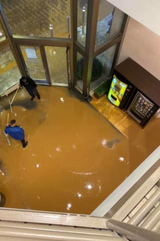 Mall At Short Hills Evacuated Due To Water Main Break