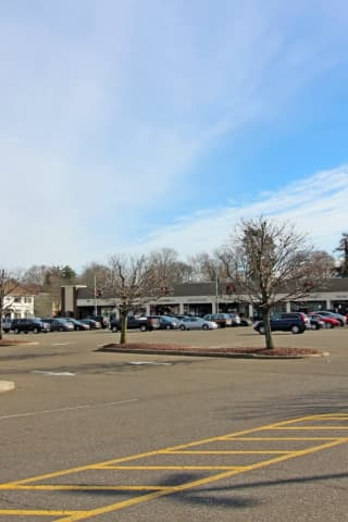 Fairfield Shopping Center Adds Two New Tenants