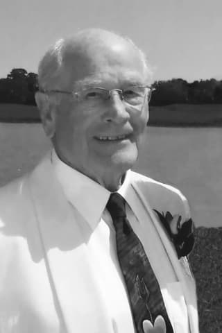 "Former Chappaqua Resident, Longtime Adman Albert ""Whit"" Franzheim, 93"
