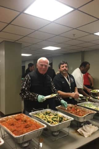 Elks Lodge Serves Veterans A Holiday Dinner