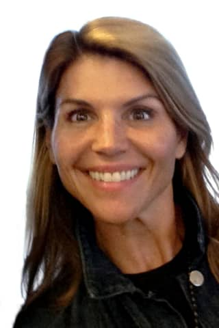Actress Lori Loughlin, Husband Agree To Plead Guilty, Serve Prison Time For College Scandal
