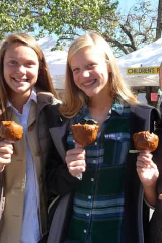 Good To The Core: Warwick Gears Up For Annual Applefest