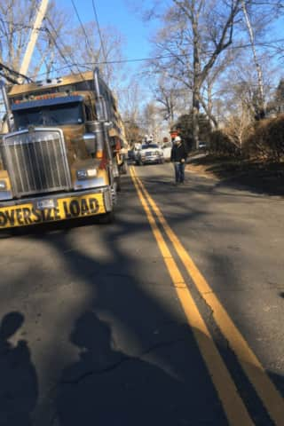 Alert Issued For Slow-Moving Convoys Traveling To Hudson Valley