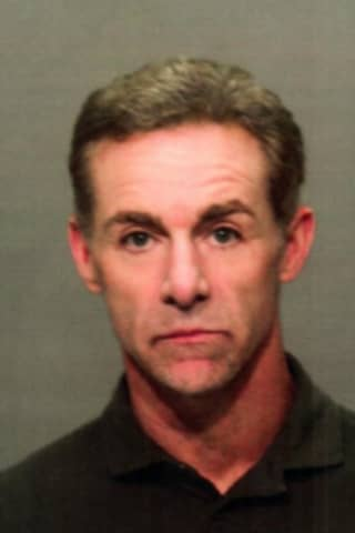 Man Turns Himself In On Charge Of Violating Restraining Order In Greenwich
