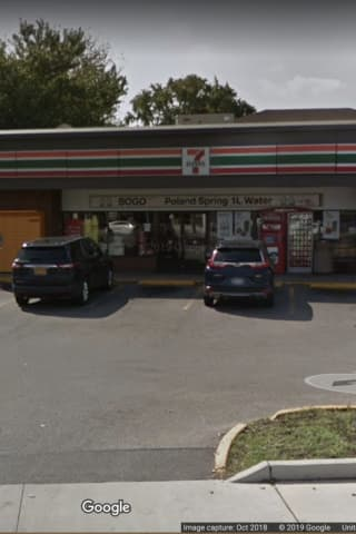 Two Suspects On Loose After 7-Eleven Armed Robbery In Elmont
