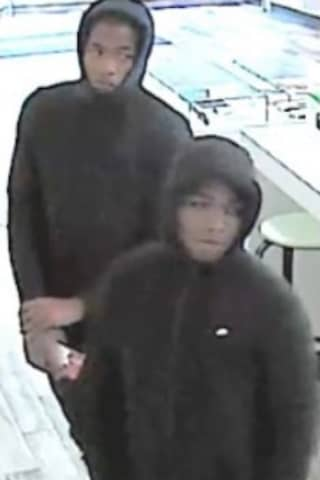 Alert Issued For Suspects Caught On Camera Stealing Cell Phones In Westchester