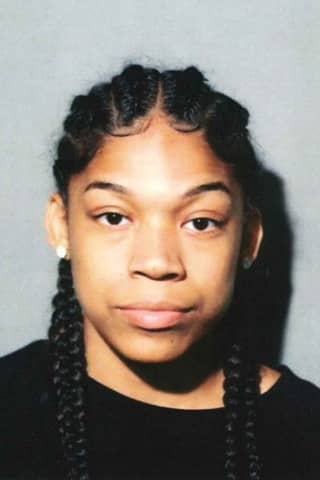 Woman, 19, Accused Of Using Counterfeit Bill At New Canaan Store