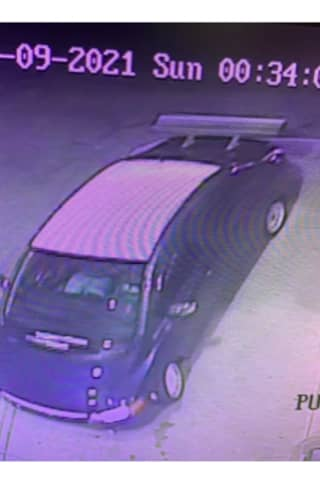 Suspect At Large After Convenience Store Robbery, CT State Police Say