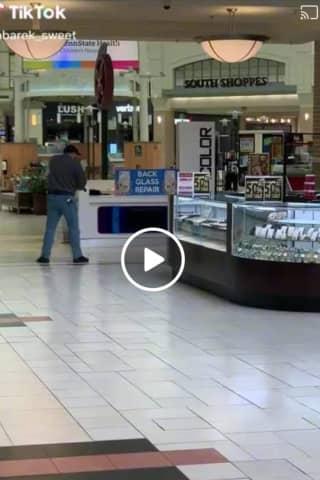 Armed Bystander Shot Teen Gunman At Lancaster's Park City Mall, Police Say