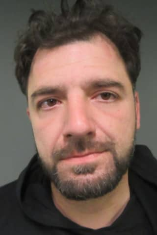 Lyndhurst PD: Driver Racing Into Troublesome Motel Lot Had 80 Heroin Folds, Crack, More