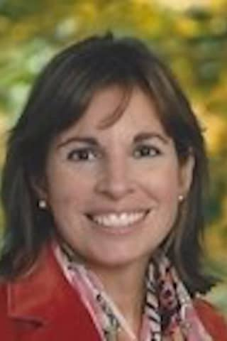 Lisa Annunziato, Beloved Teacher In Ridgefield For 21 Years, Dies At 57
