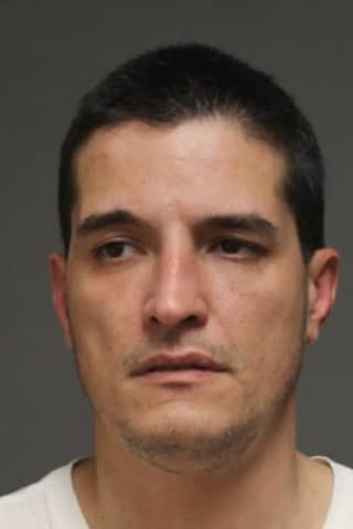 Ex-Employee Charged With Stealing iPhones From Verizon Store In Fairfield