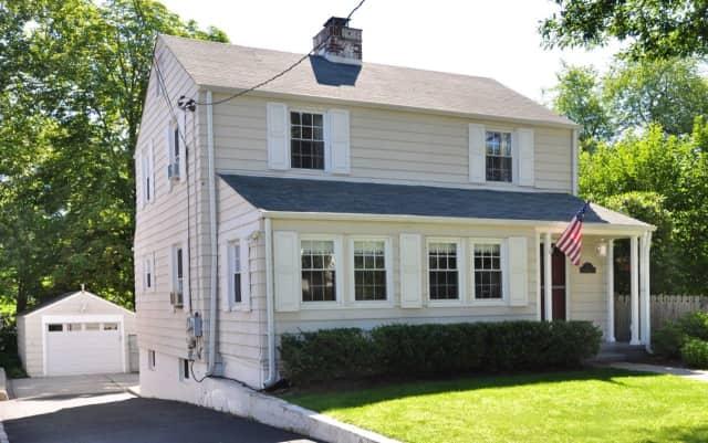 9 Whittier Street, Hartsdale, NY 10530