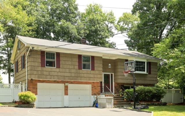 3460 North Deerfield Avenue, Yorktown Heights, NY 10598