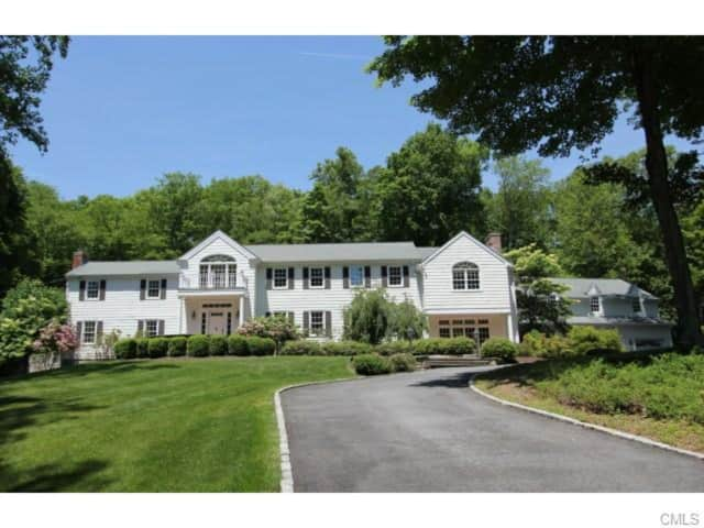 92 Lost District, New Canaan, CT 06840