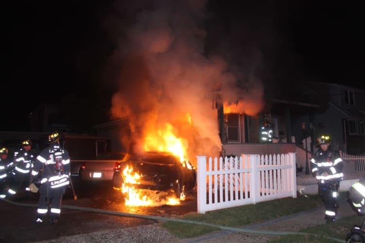Photos Car Fire Spreads To Garfield Home Garfield Lodi Daily Voice
